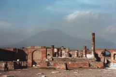 Pompei01- - The Forum - The Temple of Jupiter